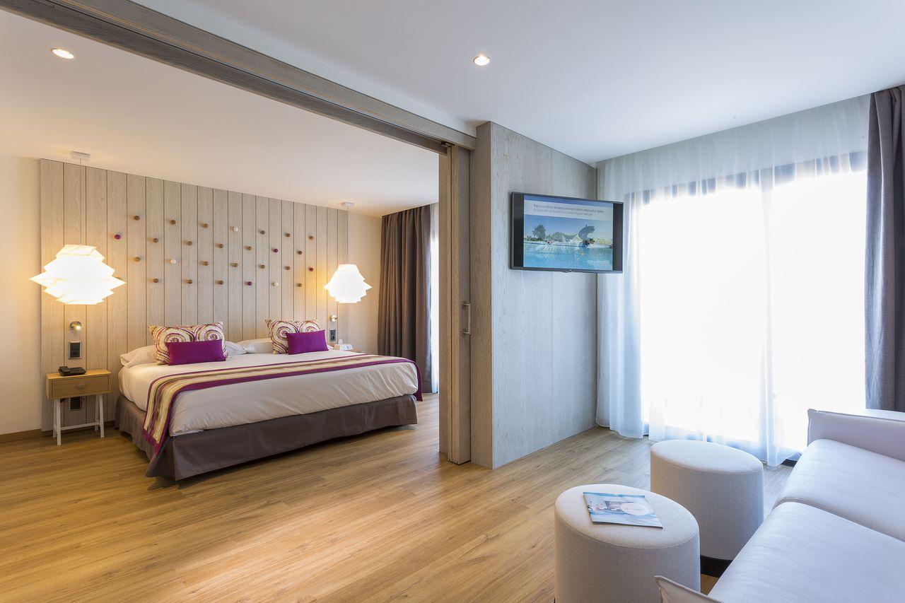grand-palladium-white-island-habitacion-hotel-iluminacion-elener