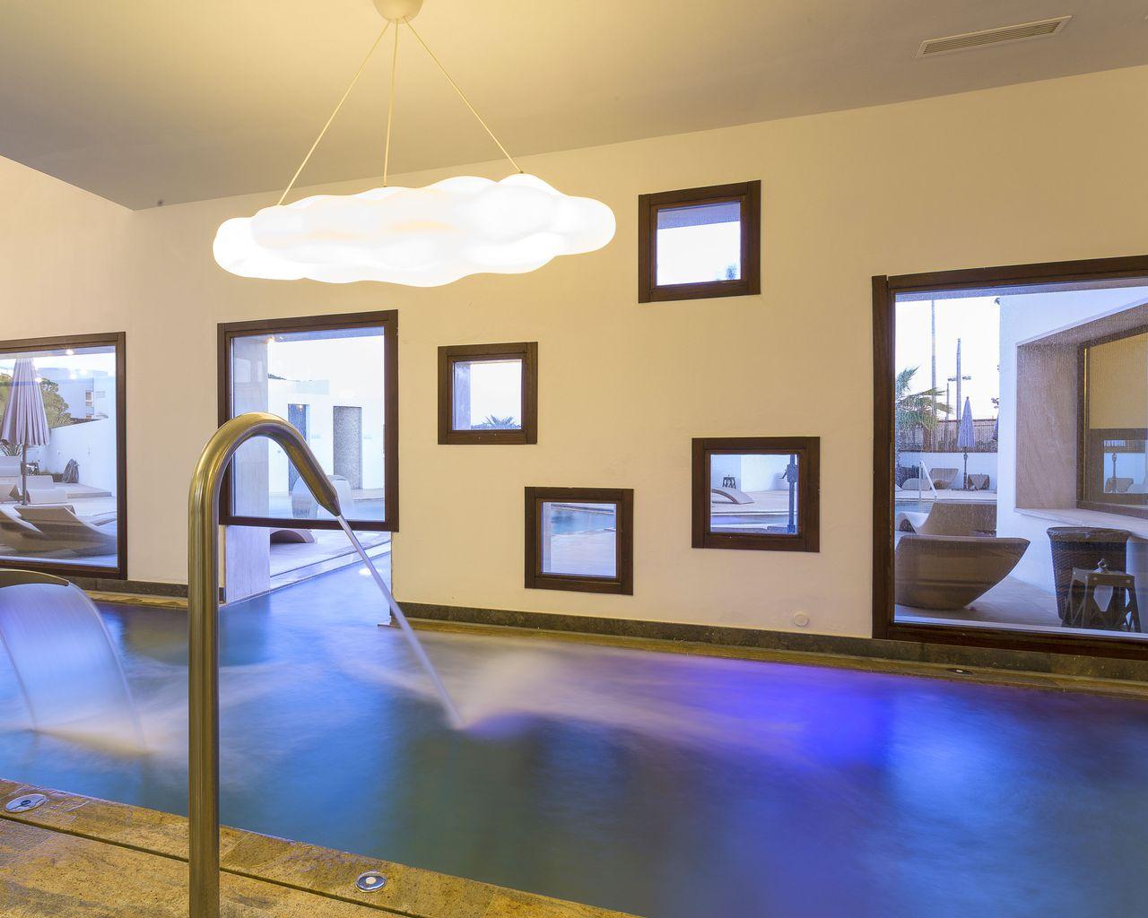 grand-palladium-white-island-spa-iluminacion-elener