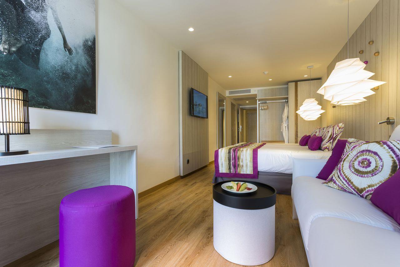 grand-palladium-white-island-suite-2-iluminacion-elener