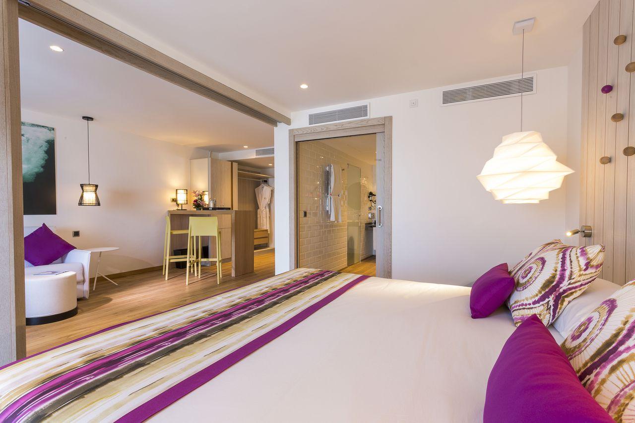 grand-palladium-white-island-suite-iluminacion-elener